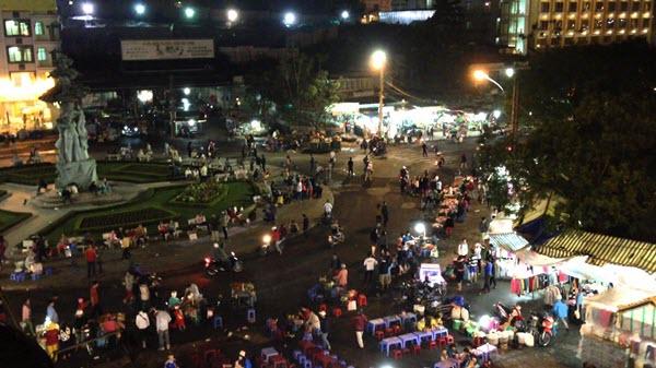 Chợ Âm Phủ Đà Lạt - Loca