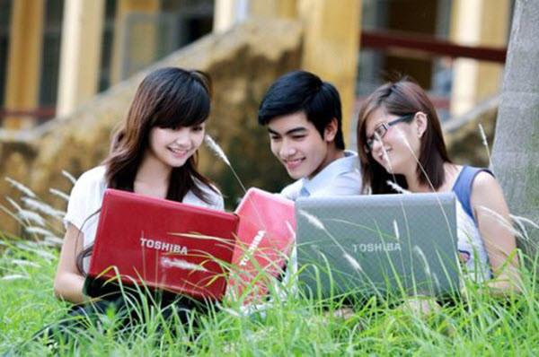 Dùng Internet để cùng nhau học tập sẽ mang lại lợi ích rất lớn cho sinh viên