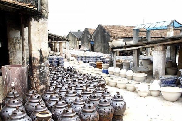 Kết quả hình ảnh cho làng gốm Bát Tràng